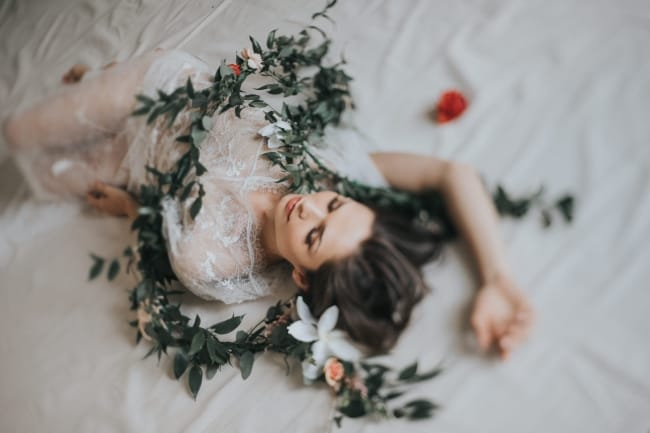 Soft Bridal Portraits Boudoir Styled Shoot feature
