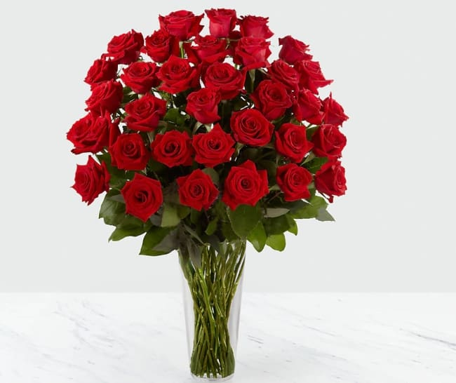long stem red rose bouquet for 15th anniversary gift