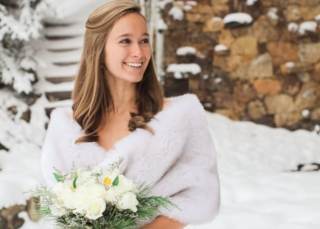 how to accessorize a winter wedding