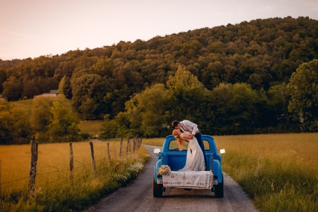 DIY Sweet and Romantic Wedding in the Mountains feature