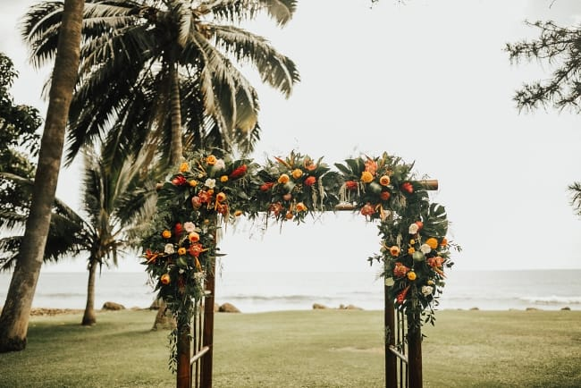 Tropical Midsummer's Night Dream Wedding in Hawaii feature