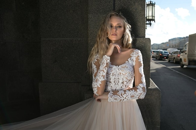 lace wedding dress feature