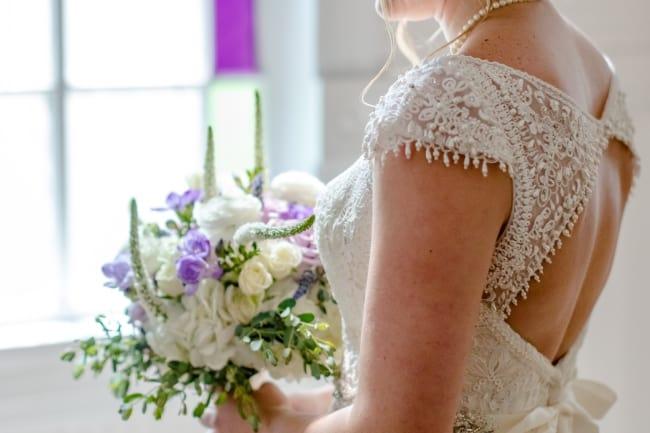 Cheerful Spring Wedding at Historic Austin Venue 1