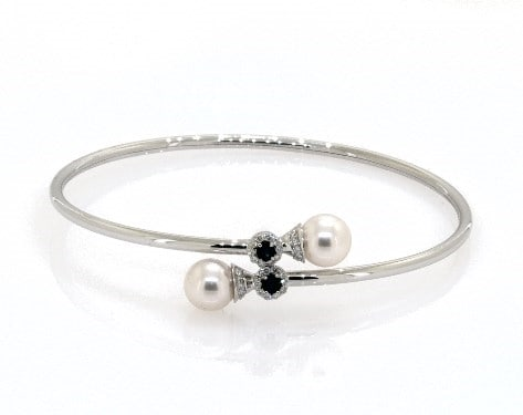 Pearl and sapphire bracelet for 30th wedding anniversary gift