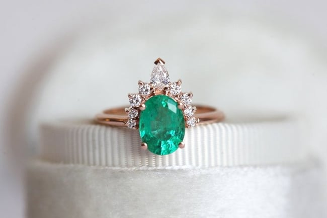Oval-Emerald-Ring-with-Diamonds