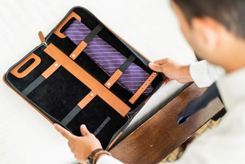 Travel tie case