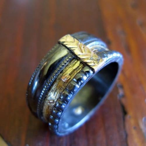 Mixed metal ring gold