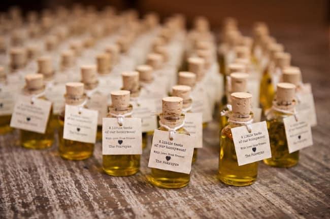 Mini olive oil wedding favor