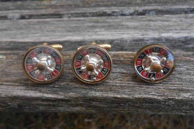 Working roulette wheel cufflinks and tie tack