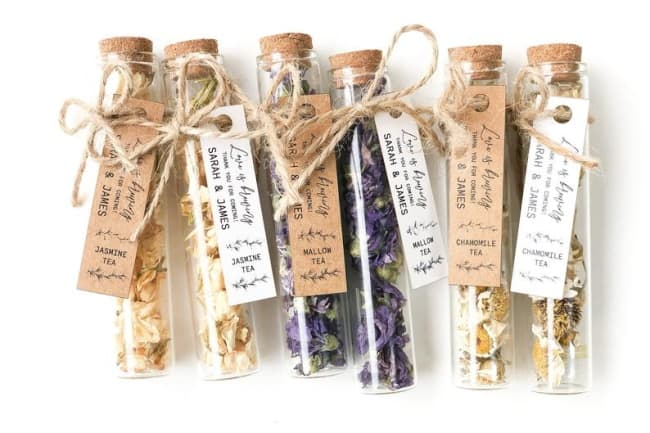 Rustic Tea Favors With Customized Tags