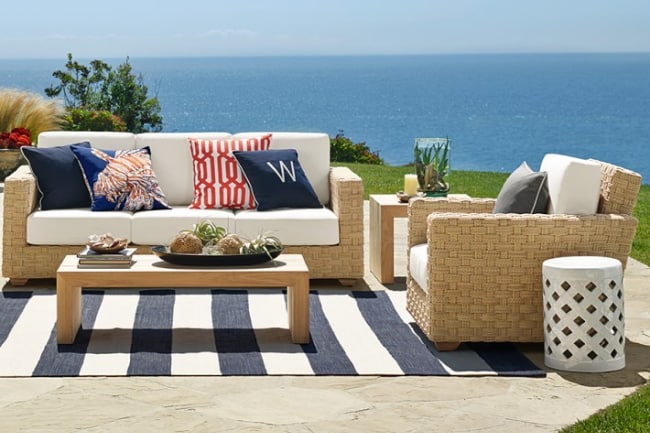 patio-stripe-indoor-outdoor-rug-dress-blue-feature