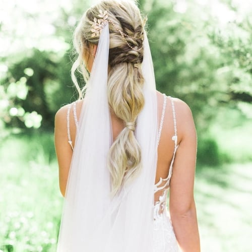 draped veil with head chains
